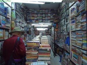 Könyvesbolt a Khan Marketen