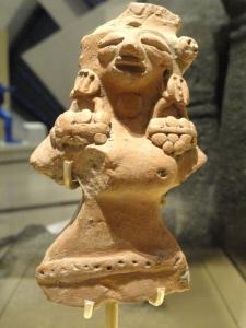 Nőalak, valószínűleg termékenység-istennő. Indus-völgy, Harappá, kb. i. e. 2500-1900. Royal Ontario Museum